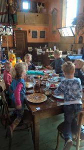 Pannenkoeken eten Kinderfeestje